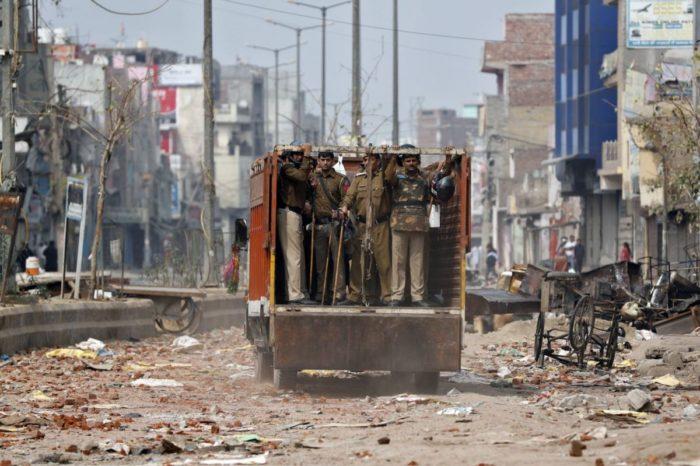 दिल्ली दंगा: दो तथाकथित फैक्ट फाइंडिंग रिपोर्ट की समीक्षा जवाबों की बजाय सवालों को ही गहराती है