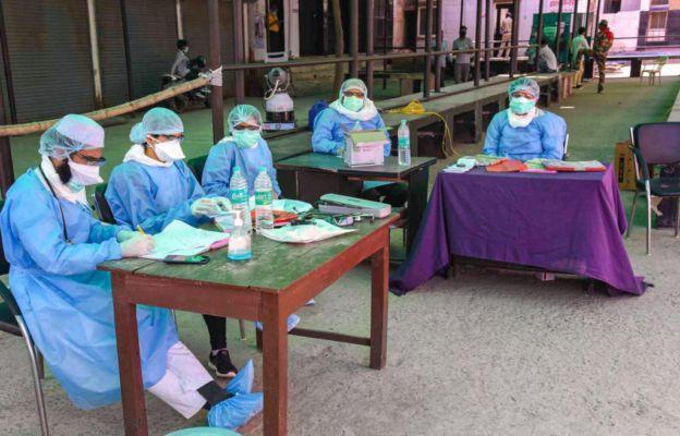 वाराणसी: चिकित्सा अधिकारियों ने वापस लिया इस्तीफ़ा, प्रशासन पर लगाया था प्रताड़ना का आरोप