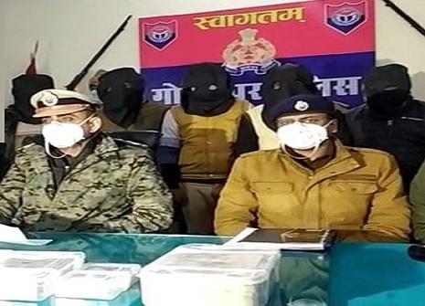 गोरखपुर में पुलिस की वर्दी में व्यापारियों को लूटने वाले असली पुलिस ही निकले