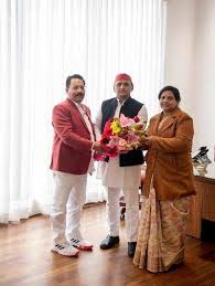 Expelled from BSP, Meerut Mayor and her ex-MLA husband join SP