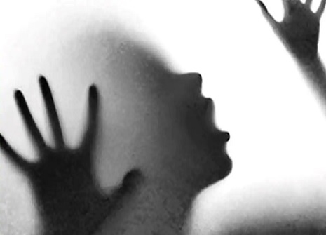 Hathras: Man accused of sexual assault, shoots father outside village temple