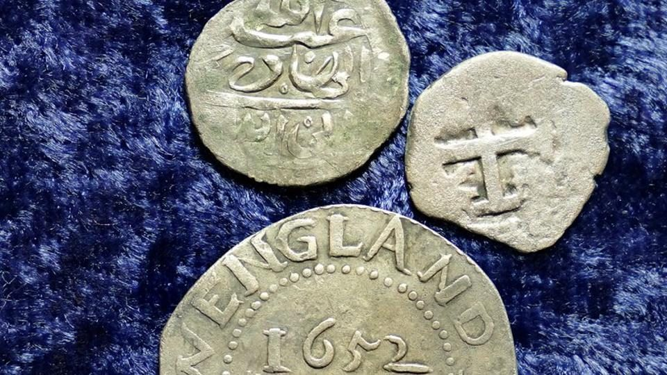 Ancient coins may solve mystery of pirate who robbed Muslim pilgrims