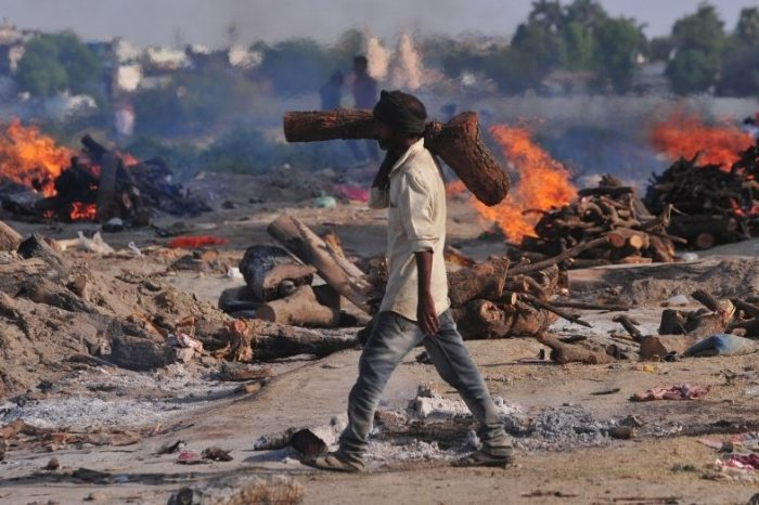 14-Hour Workdays, No PPE Kits: On Caste And India's Crematoriums Workers