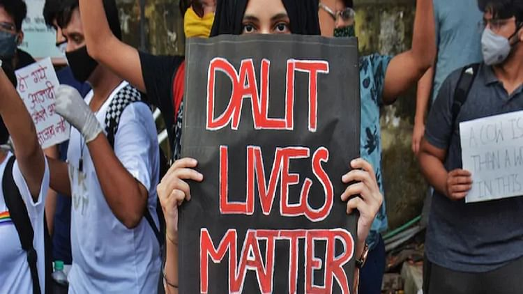 MP: 'Upper' Caste Men Beat Dalit Men For Objecting to Waste Dumping in Front of Their House