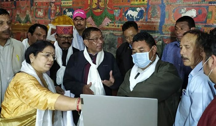 PC visits Leh, reviews prospects of SC/ST welfare